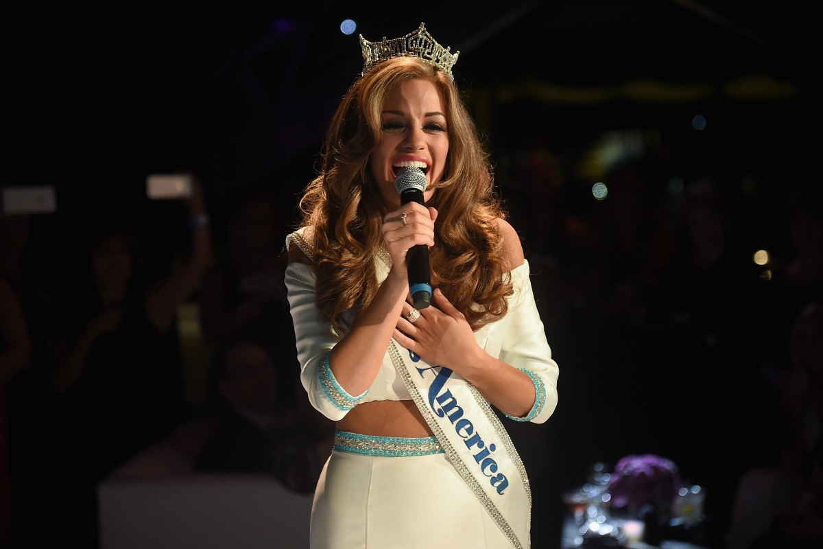miss georgia betty cantrell is crowned miss america 2016 nbc news. Black Bedroom Furniture Sets. Home Design Ideas