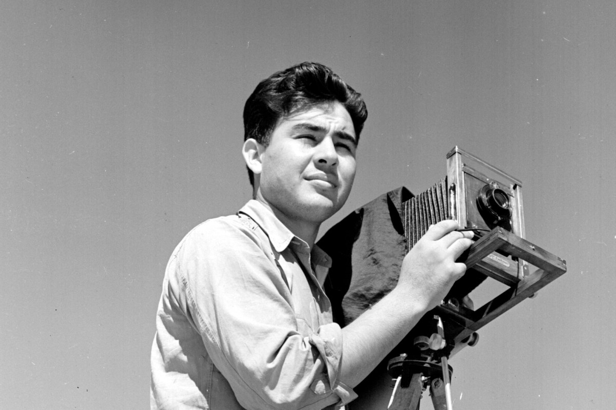 Latino history photographer pedro e guerrero 39 s for Https pedro camera it