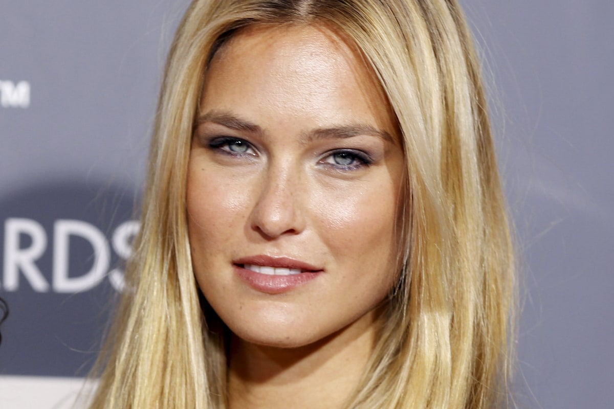 A Pretty Penny: Supermodel Bar Refaeli Under Investigation for Tax Evasion - NBC News