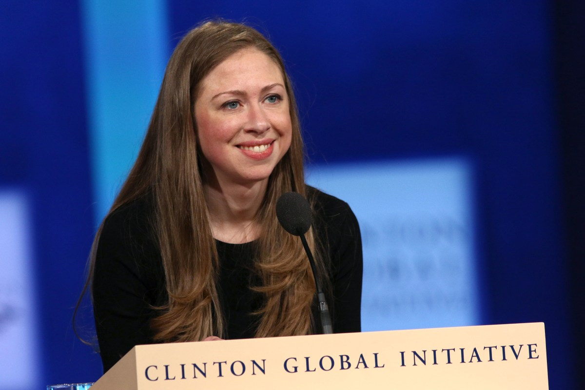 how tall is chelsea clinton