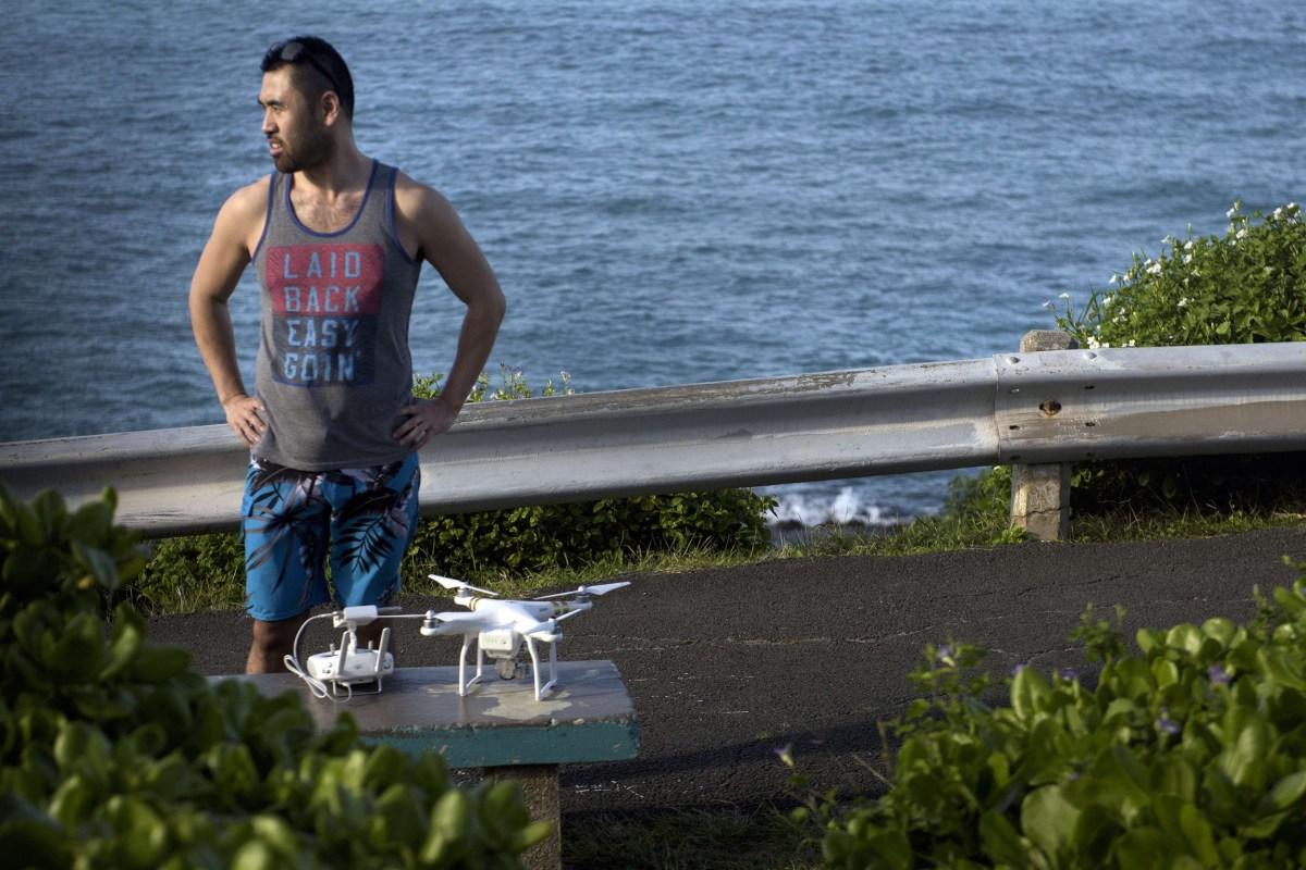 drone buzzes president barack obama 39 s motorcade in hawaii nbc news