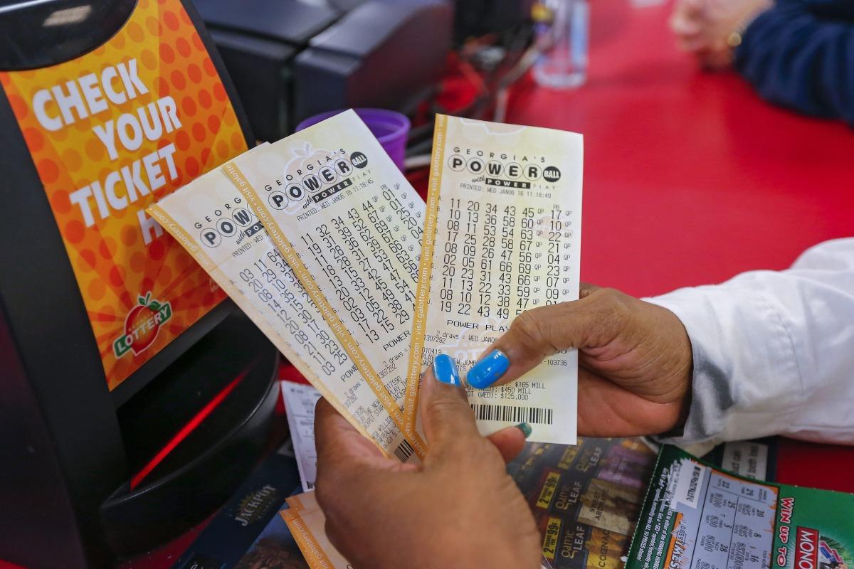 Powerball - No Jackpot Winning Powerball Tickets Sold Raising Drawing To 700 Million Nbc News