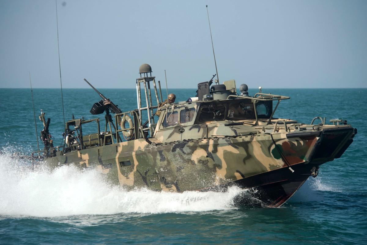 Pentagon: 2 U.S. Navy Boats With 10 American Sailors Held ...