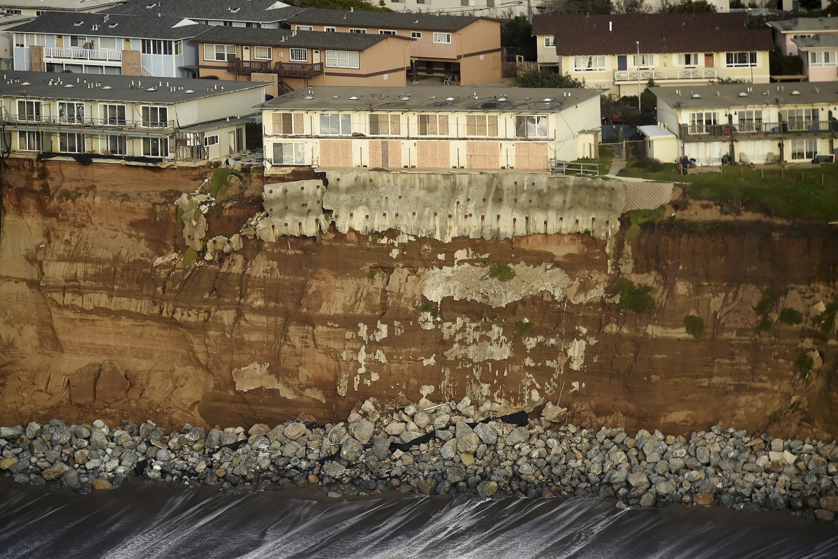 Residents On Crumbling Pacifica California Cliff Vow To