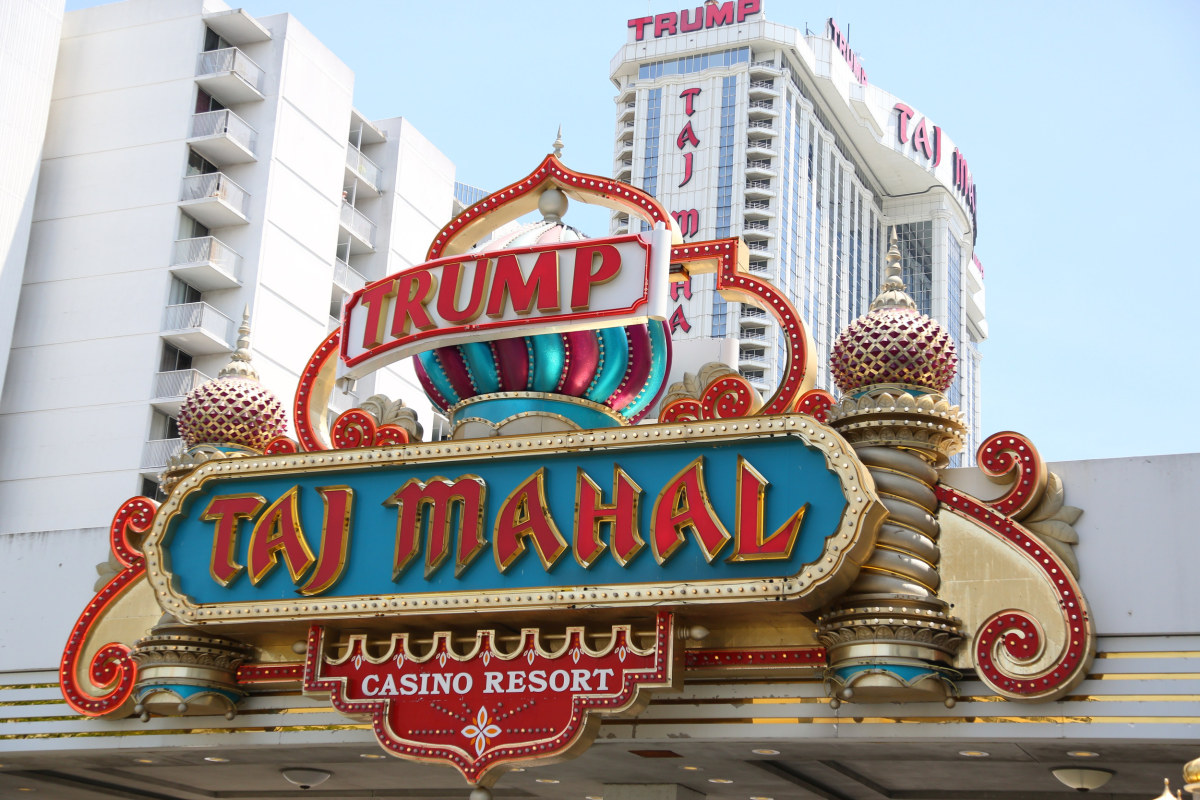 Trump casino bankruptcy symptoms of compulsive gambling