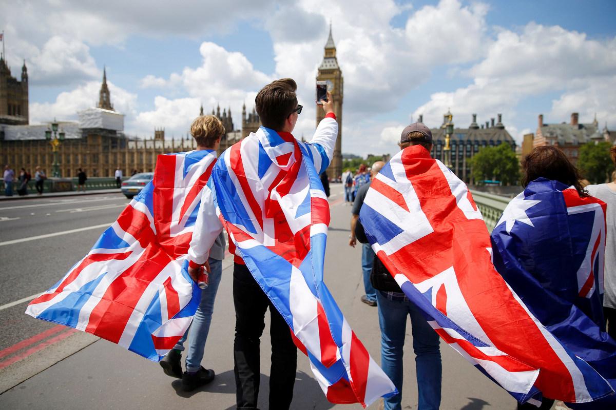 Brexit Fallout: Dow Drops 270, Continues Decline After U.K. Vote