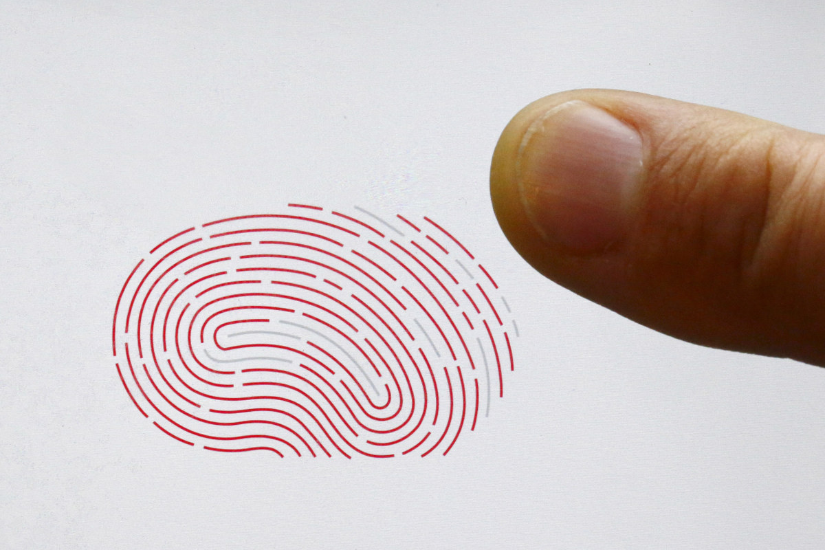 the use of biometrics Biometrics are any measurable biological feature which can be used to identity individuals, including the shape of people's fingerprints and the code of their dna.