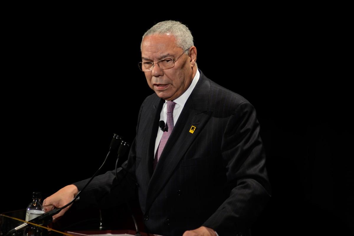 Colin Powell Slammed T...