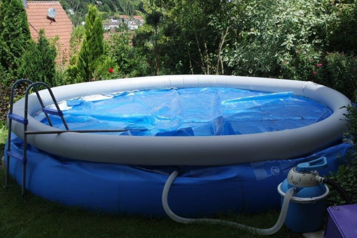 39 paddling pool slasher 39 nabbed after 7 years german for Pop up paddling pool
