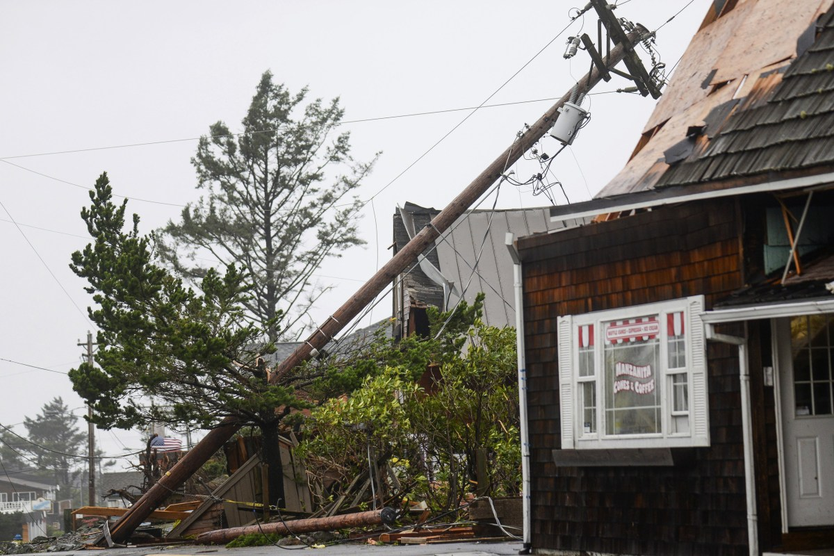 news weather tornadoes tear through oregon pacific northwest braces more extreme