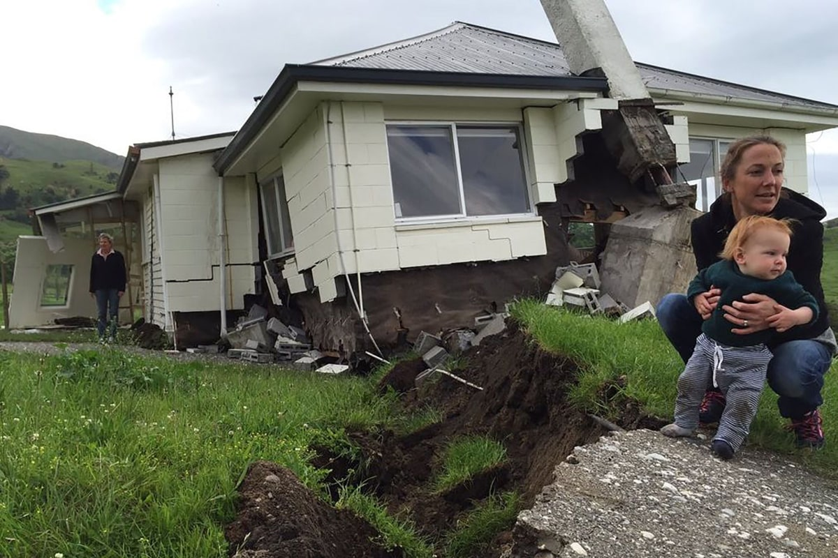 New Zealand News Picture: Major Earthquake Hits New Zealand