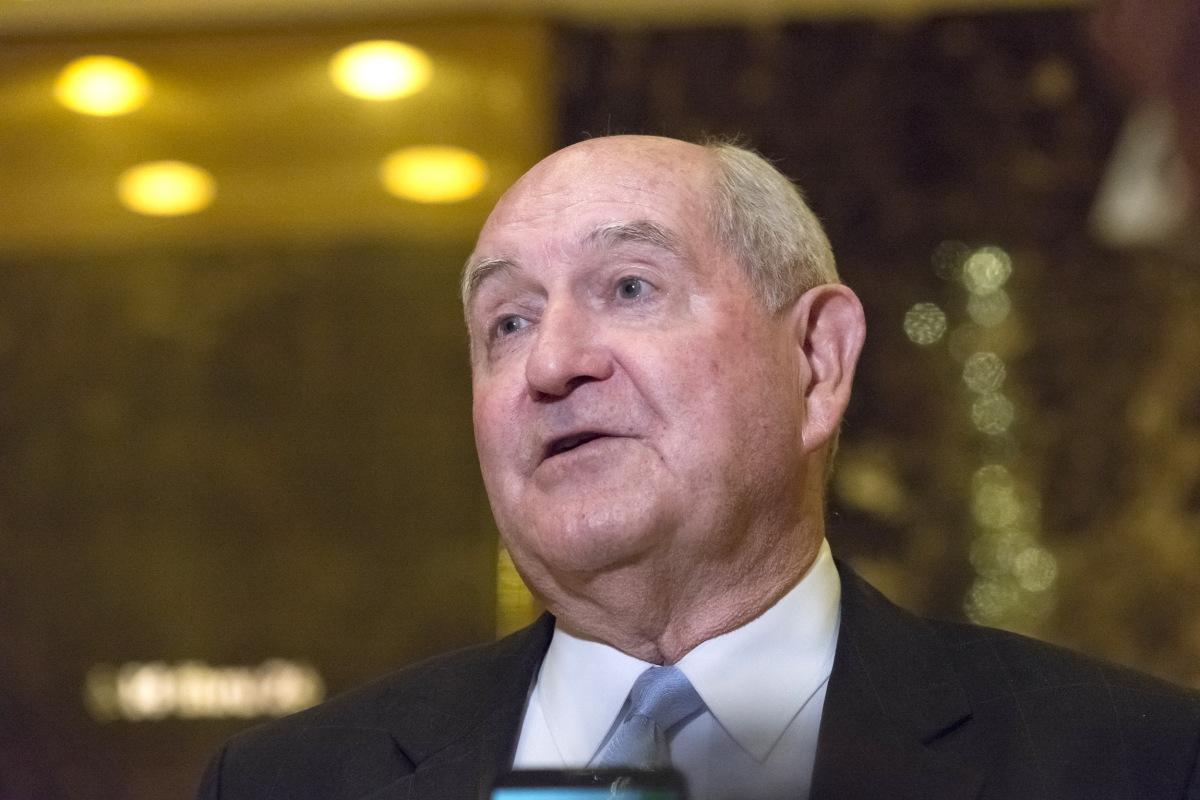 Donald Trump Taps Former Georgia Gov. Sonny Perdue as Secretary of ...