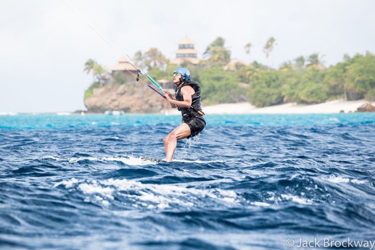 Image: Obama kite surfs in Moskito on the British Virgin Islands