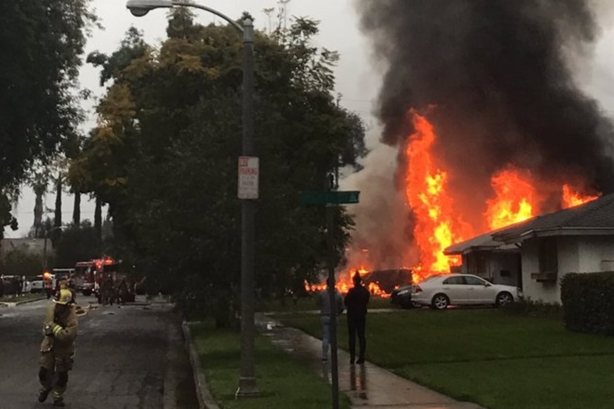 One Killed Five Injured as Small Plane Crashes Into California Home