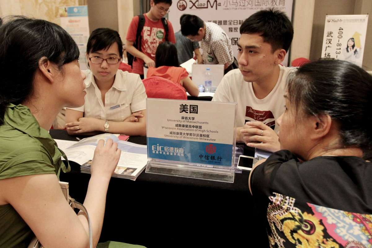 U.S. colleges see drop in foreign student applications survey finds