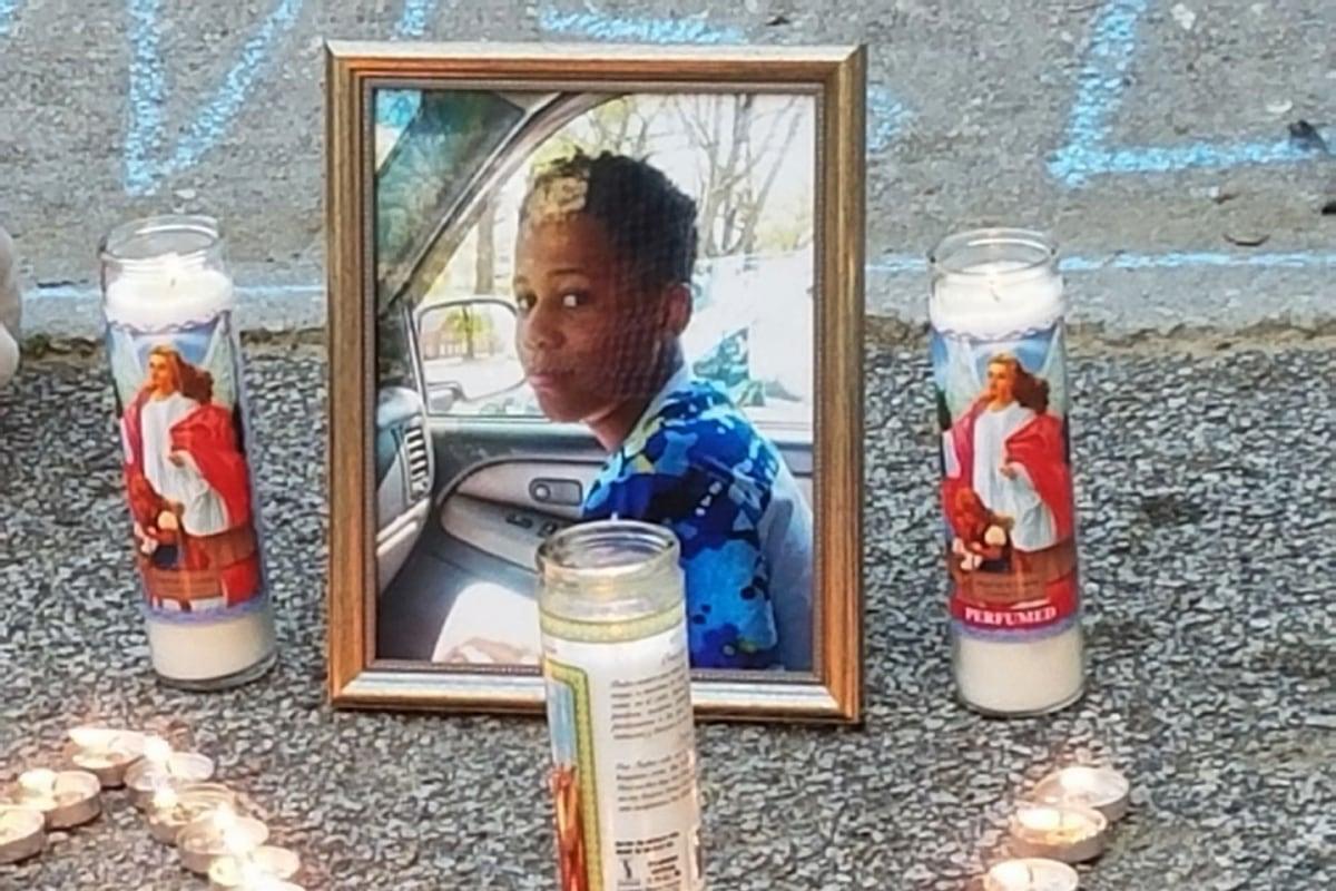 Teen kills himself on internet