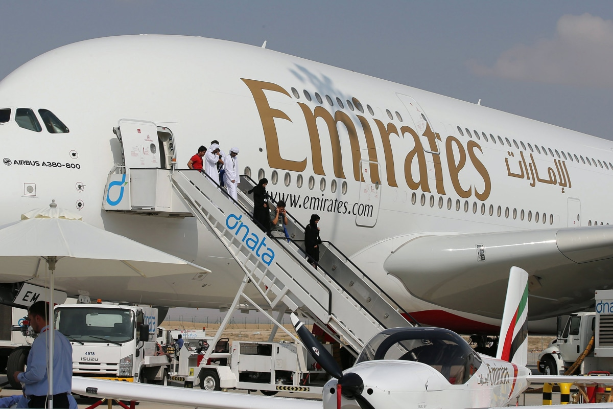 Emirates Airlines Reports 82% Plunge in Profits Amid US Laptop Ban