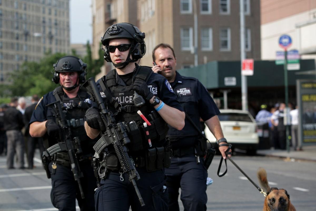 Bronx Hospital Shooting: Gunman Kills 1, Wounds 6, Turns ...