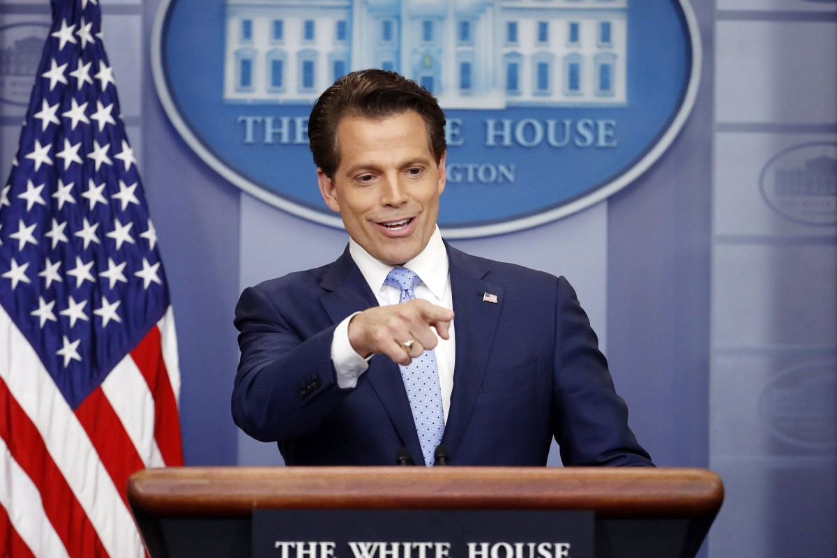 https://media1.s-nbcnews.com/j/newscms/2017_29/2080591/170721-press-briefing-scaramucci-ew-235p_6a07387c80bf9bc2df74f0d7f29a4482.nbcnews-fp-1200-800.jpg