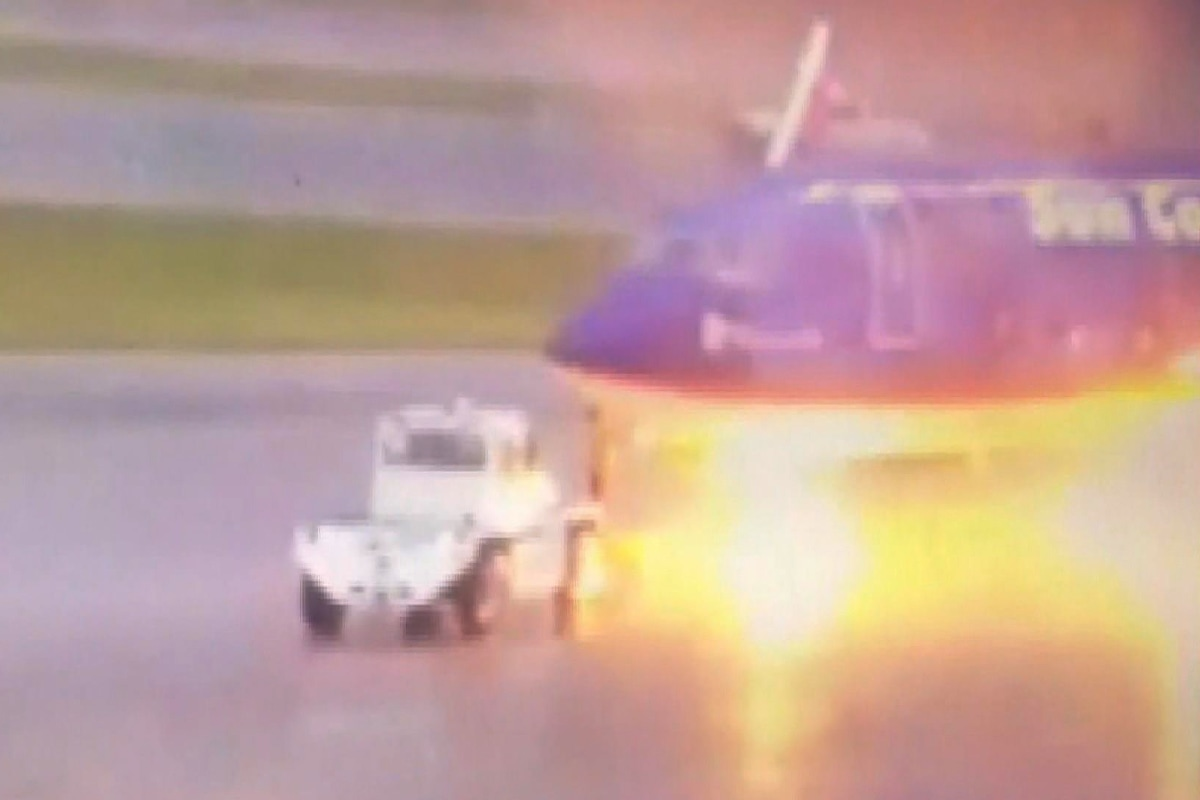 Lightning strikes plane at Florida airport, badly burning worker