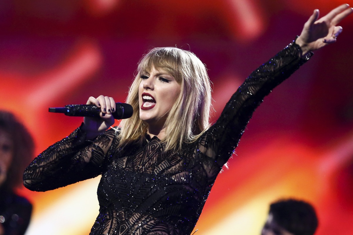 DJ who lost groping suit to Taylor Swift may give singer a Sacagawea dollar
