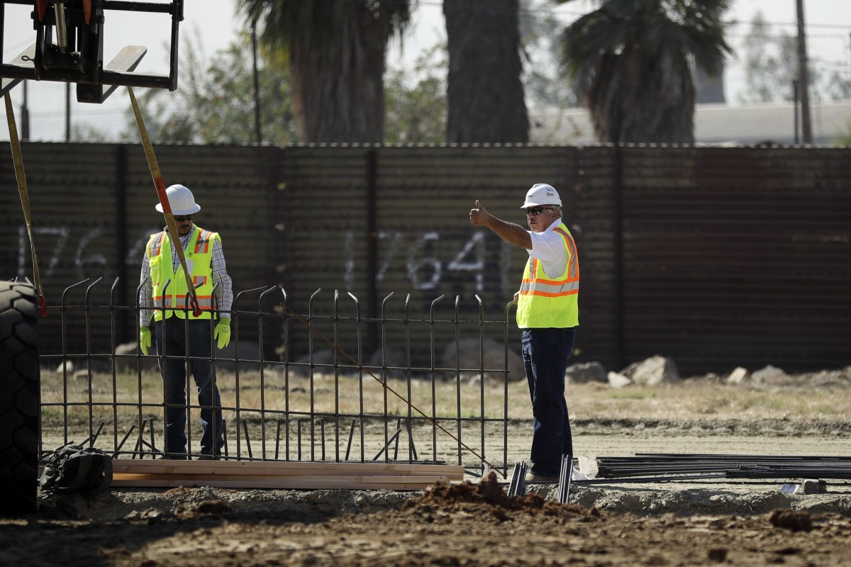 Construction of border wall prototypes begins