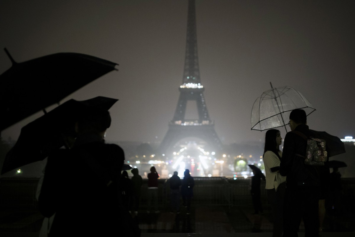 Eiffel Tower goes dark to honor Las Vegas, Marseille victims
