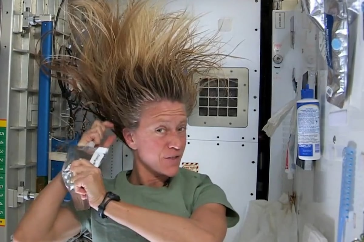 Shampooing In Outer Space Will Make Your Hair Stand On End Nbc News