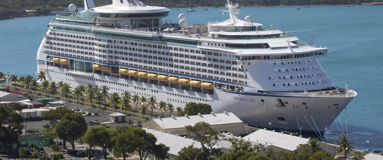 Image:The Royal Caribbean International's Explorer of the Seas