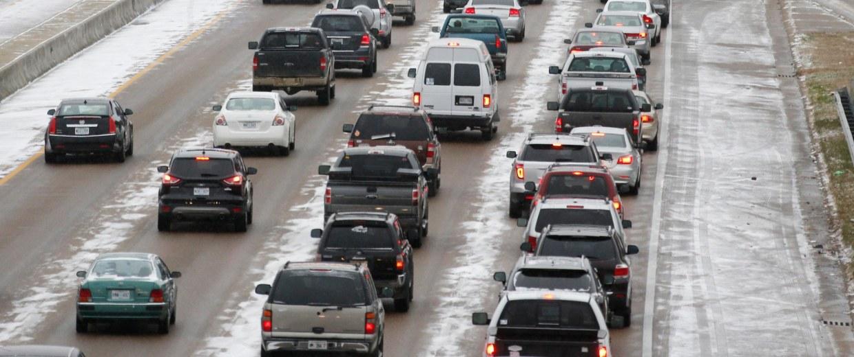 Image: Traffic creeps along I-55 in north Jackson, Miss.
