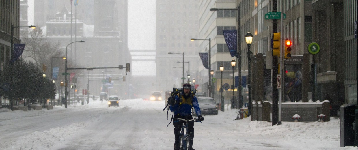 Image: Winter Storm Brings Snow And Sleet To Philadelphia