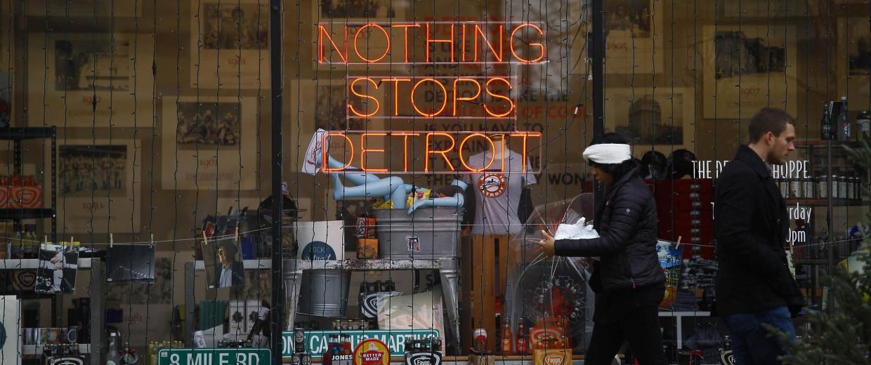 Image: Pedestrians walk along Woodward Avenue in Detroit