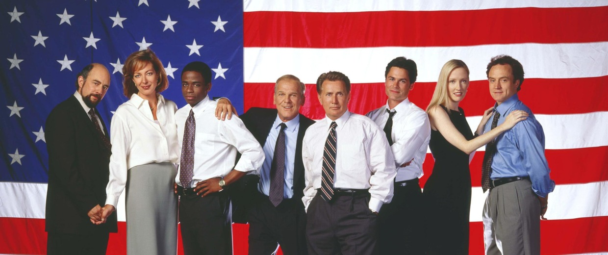 Image: The cast of 'The West Wing' in 2001