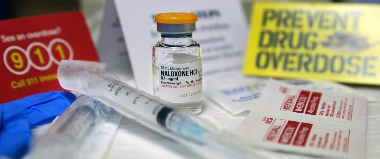 Image: A kit with naloxone, also known by its brand name Narcan