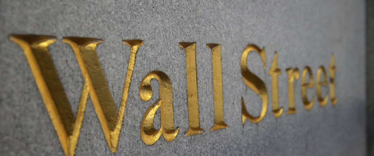 Wall Street is golden again. Cash bonuses rose to the highest in 2013 since the financial crisis.