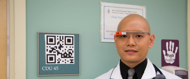 Steven Horng, MD, of Beth Israel Deaconess Medical Center wearing Google Glass