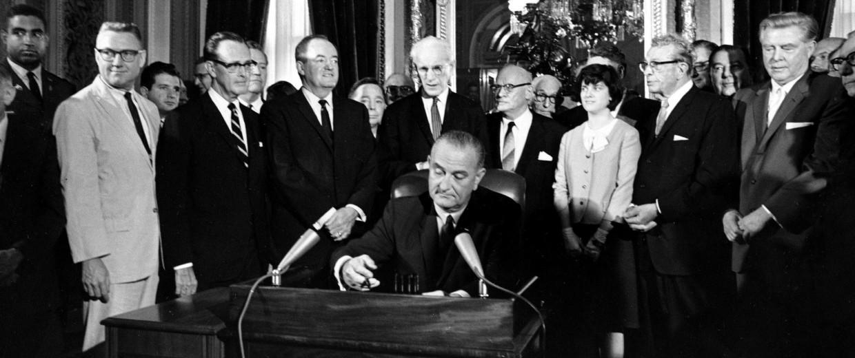 Image: Lyndon Baines Johnson, Hubert Humphrey, John McCormack, Emanuel Celler, Luci Johnson, Everett Dirksen, Carl Albert, Carl Hayden