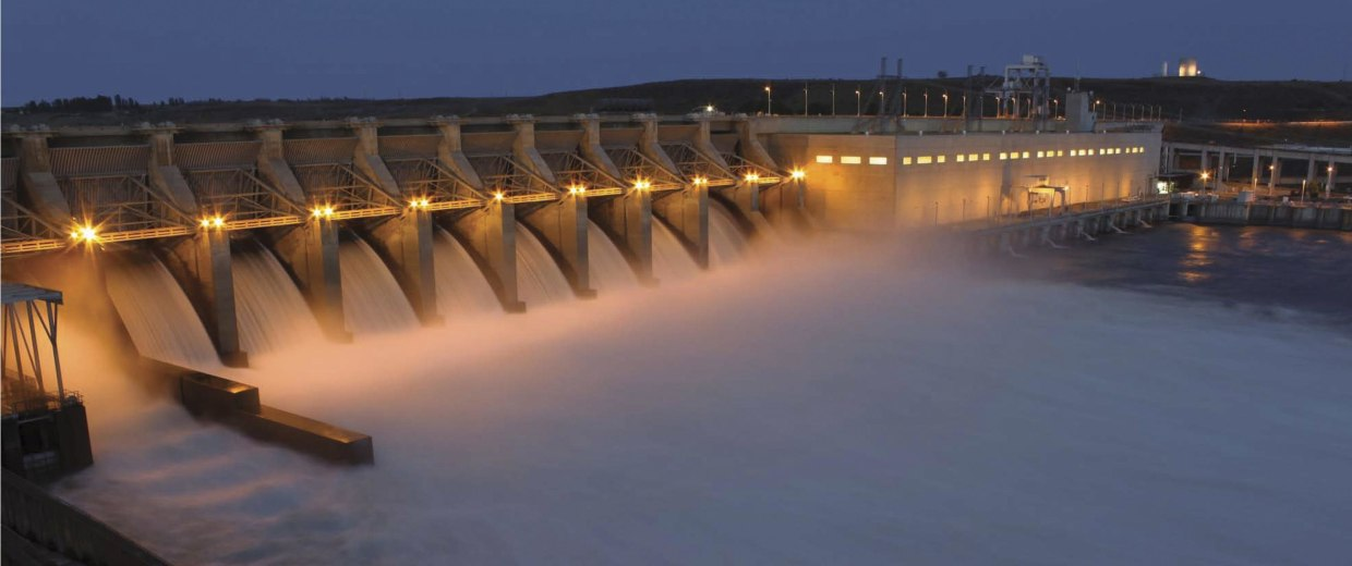 Image: Ice Harbor Lock and Dam on the Lower Snake River in Washington.