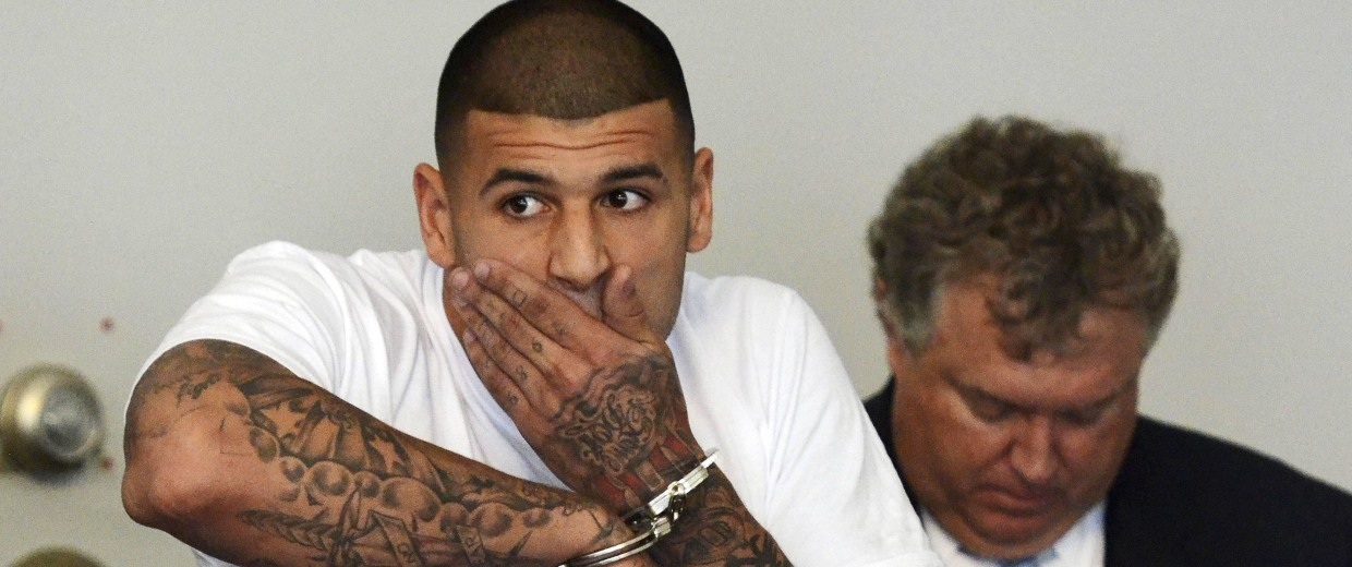 New England Patriots tight end Aaron Hernandez is arraigned on charges