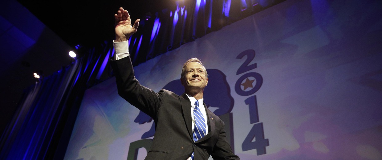 Image: Maryland Gov. Martin O'Malley waves as he walks toward the podium at the California Democrats State Convention on March 8, in Los Angeles.