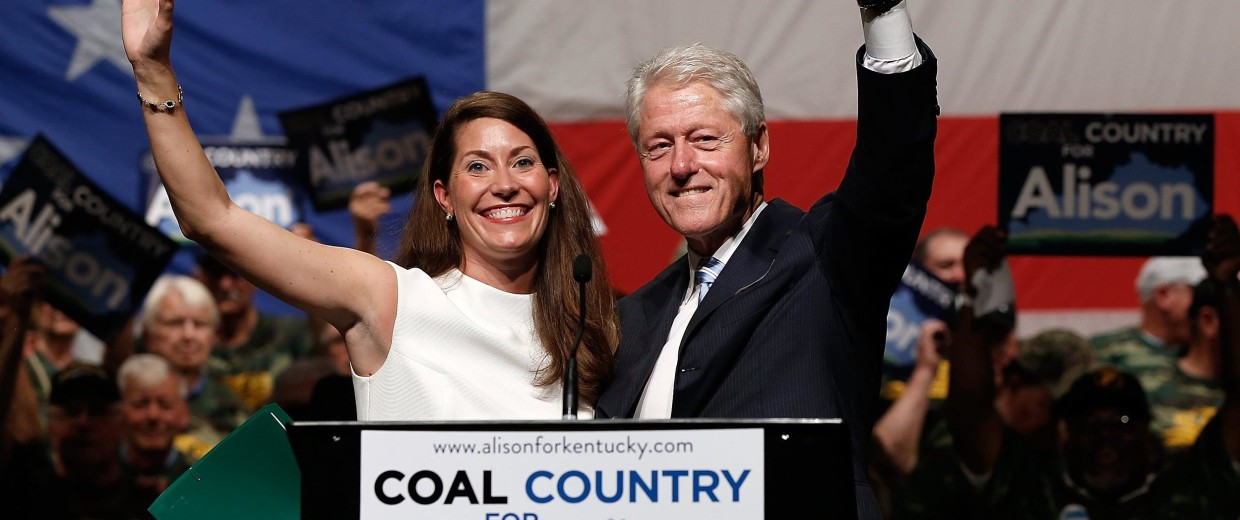 Image: Bill Clinton Campaigns With Kentucky Senate Candidate Alison Grimes
