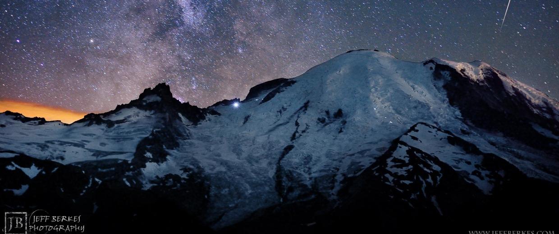 Image: Mount Rainier meteor