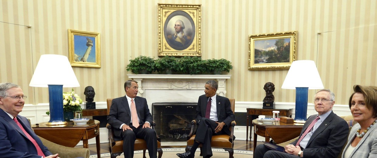Image: Obama meets with Congressional leaders in the Oval Office of the White House in Washington