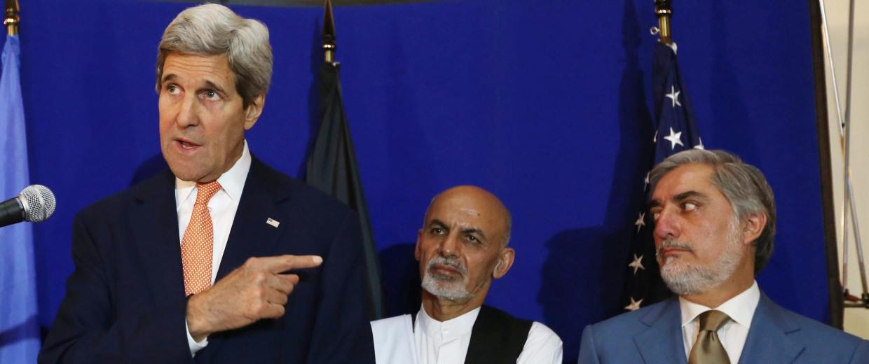 Image: Ashraf Ghani Ahmadzai, Abdullah Abdullah, John Kerry