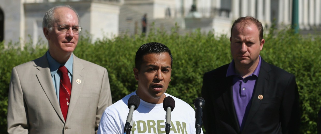Image: Congressional Democrats, Activists, Call On DOD To Let DREAMER's Serve In Military