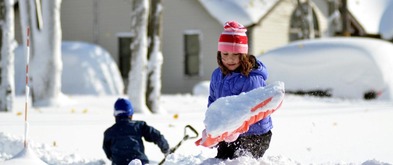 Image: Record snowstorm pummels Buffalo