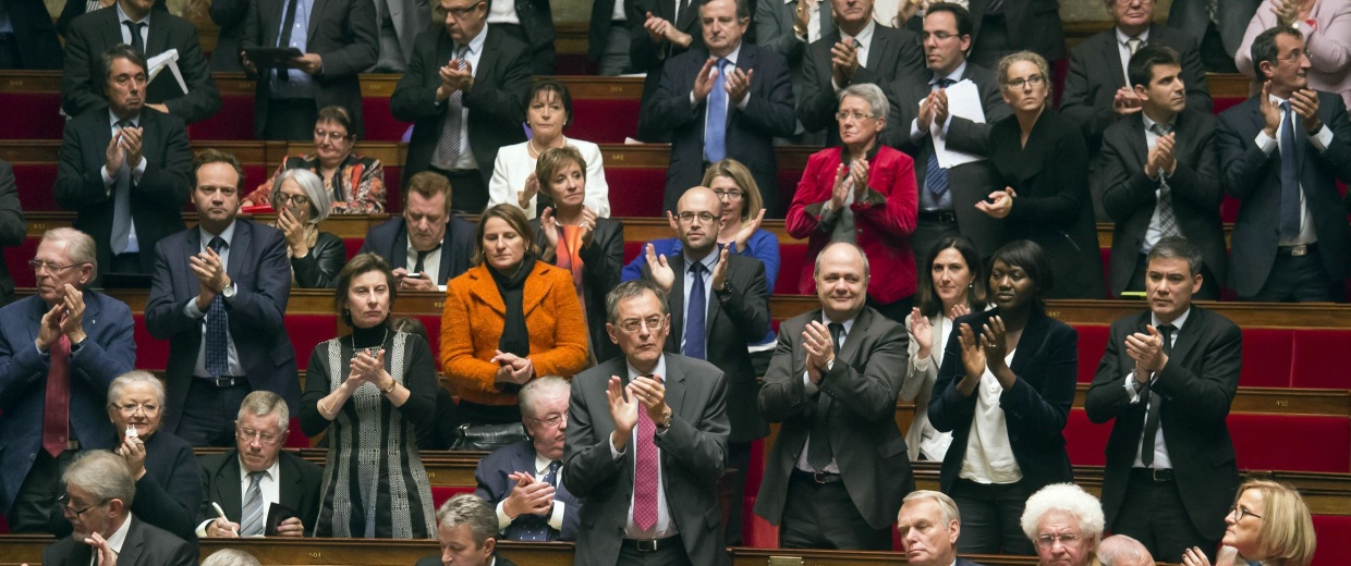 Image: Members of French parliament, applause after the vote for the recognition of the Palestinian State.