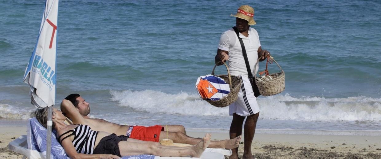 Image: Tourists in Cuba
