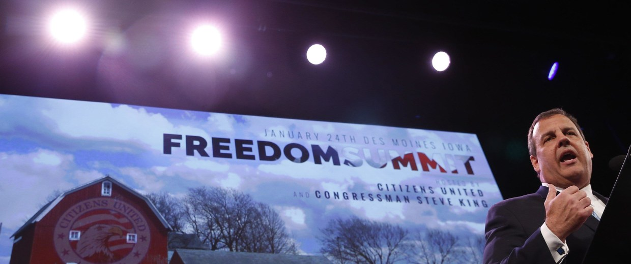 Image: Governor of New Jersey Chris Christie speaks at the Freedom Summit in Des Moines