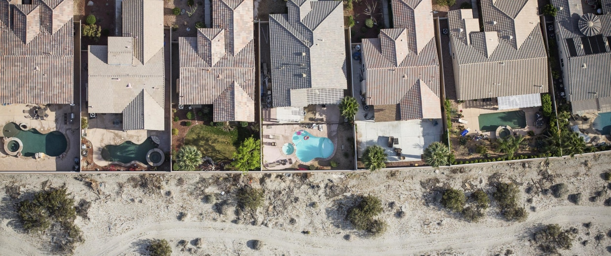 Image: Homes bordering the desert in Palm Springs, Calif.